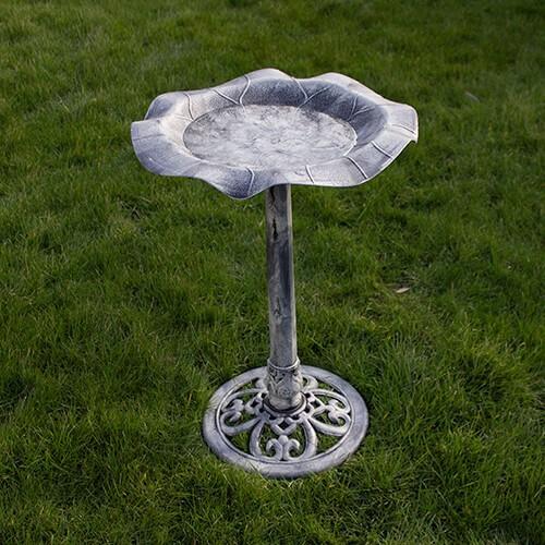 Silbersee - Wassertisch für Gartenvögel